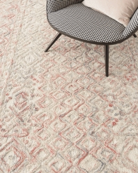 pattern tile showing the design of the hype grey viscose rug from the hali hand tufted collection